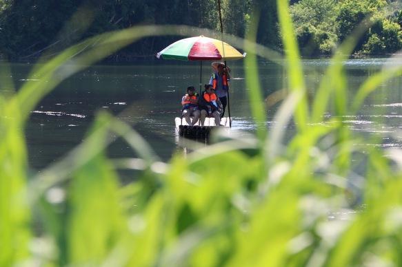 Bamboo Boote auf dem Yulong River. Das wollen wir auch!