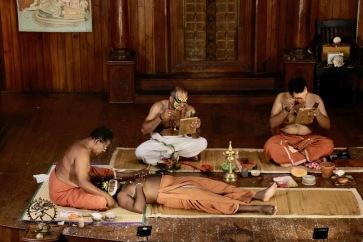 Vorbereitungen für Kathakali