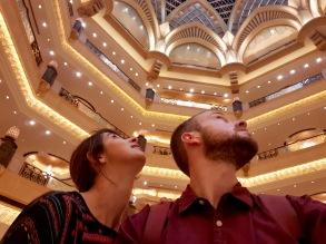 Staunen im Foyer des Emirates Palace
