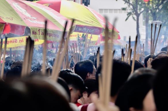Festtagszeremonien an einem Tempel in der Nähe unserer Hostels
